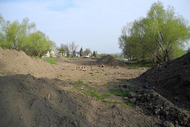 """Ausgleichsmaßnahme für die Waldschlösschenbrücke: """"Renaturierung des Brüchigtgrabens und die Wiederherstellung der Elblache """"Zschierener Pferdeloch"""""""