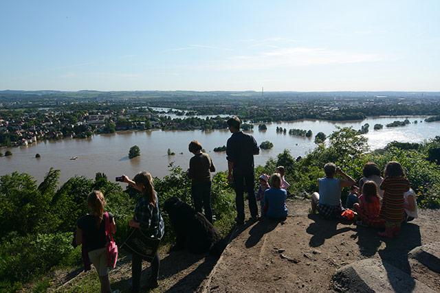 05.06., abends: Blick von derAgneshöhe auf Laubegaster Ufer