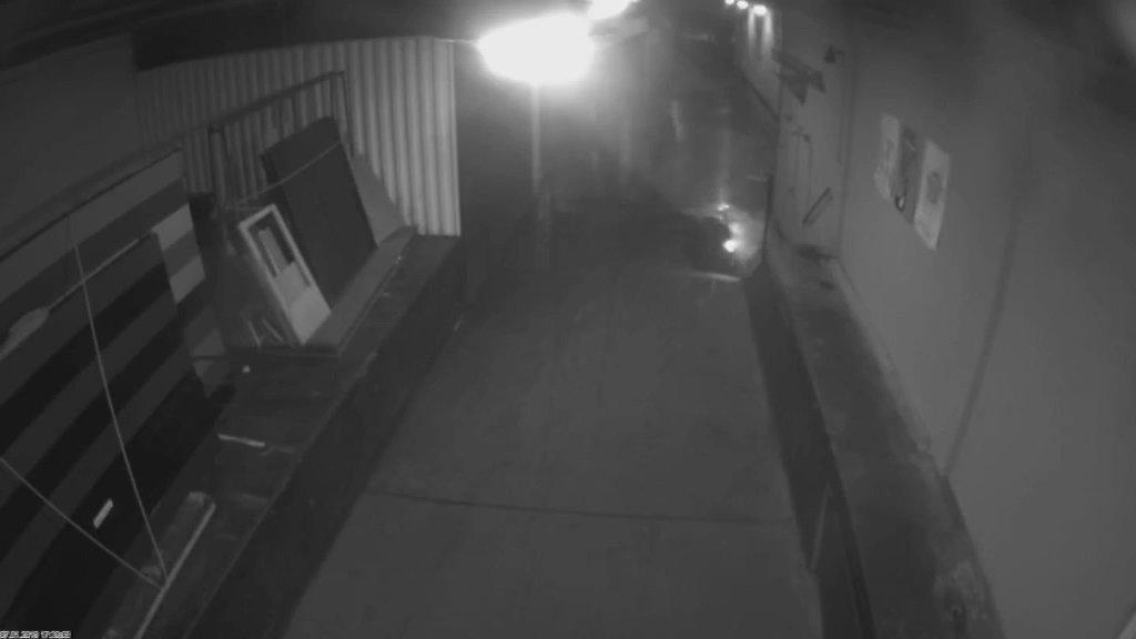 Polizeivideo Bremen Kamera 2, leerer Weg